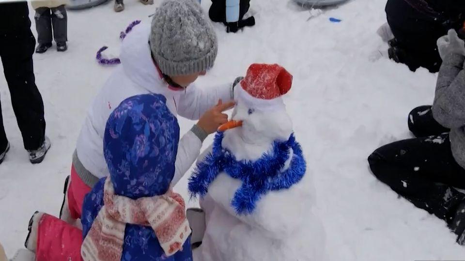 สีสันสนุกสนานงานเทศกาลหิมะฤดูหนาวชาวรัสเซีย