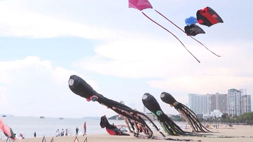 สีสัน มหกรรมว่าวชายหาดเมืองพัทยา กระตุ้นการท่องเที่ยว