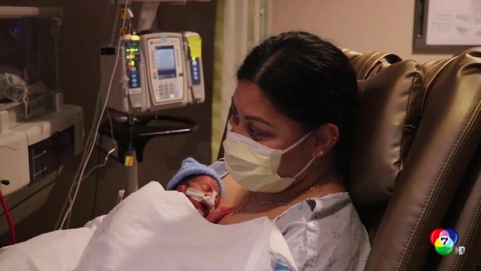 หญิงคลอดลูกบนเครื่องบิน โดยไม่รู้ว่าตนเองตั้งท้อง