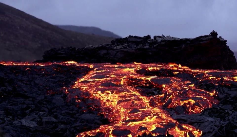 ภูเขาไฟไอซ์แลนด์ พ่นลาวาต่อเนื่อง ในรอบ 800 ปี