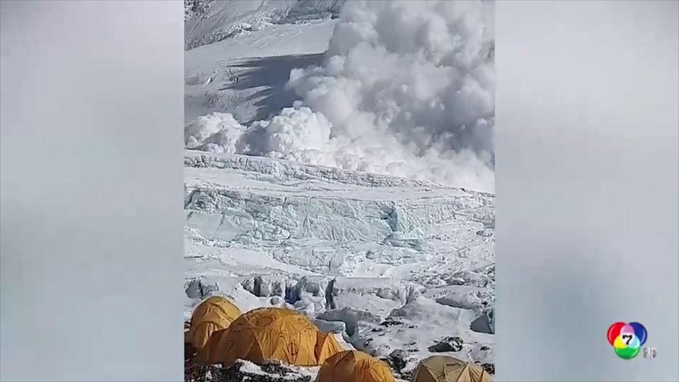เผยภาพนาทีหิมะถล่มจากยอดเขาเอเวอเรสต์ ในเนปาล