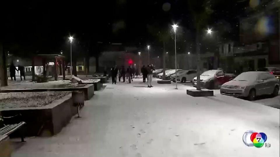 สภาพอากาศปั่นป่วน หิมะตกในบราซิล - กรีซ เผชิญคลื่นความร้อน