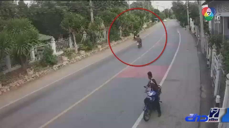 สายสื่อสารขาด เกี่ยวคอชายขี่รถจักรยานยนต์เสียชีวิต
