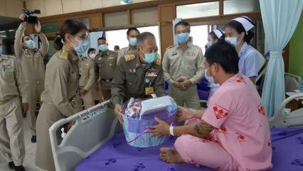องคมนตรี ตรวจเยี่ยมและติดตามผลการดำเนินงานโรงพยาบาลเบญจลักษ์เฉลิมพระเกียรติ 80 พรรษา จังหวัดศรีสะเกษ