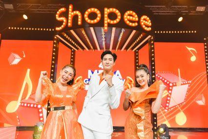 """ไมค์ ภัทรเดช - นนท์ ธนนท์ นำทีม ลำไย, เป็กกี้, ติช่า, แจ๊ค มอบเสียงฮาให้กับคนไทยทั่วประเทศ พร้อมแจกโชคมูลค่ากว่า 8 ล้านบาท ผ่านรายการสด """"Shopee 4.4 Mega Game Show ฟังร้องได้ล้าน"""""""